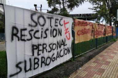 Jornada de huelga en la piscina municipal Acidalio Lorenzo